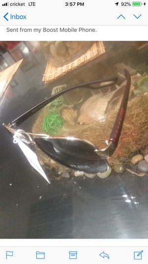 Brand new Prada sunglasses for Sale in Brentwood, MD