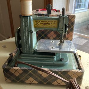 Betsy Ross Mini Sewing Machine In Cool Plaid Case for Sale in Port Orchard, WA