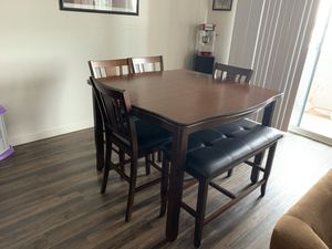 Dining room table 4 chairs 1 bench new pick up only for Sale in Phoenix, AZ