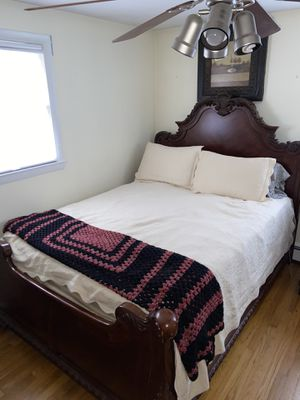 Bedroom furniture set (Brand: Broyhill)!! (Sleigh bed frame, dresser w/mirror, nightstand) for Sale in Hudson, MA