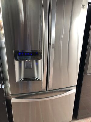 Kenmore elite amazing condition works perfect extremely clean for Sale in Cudahy, CA