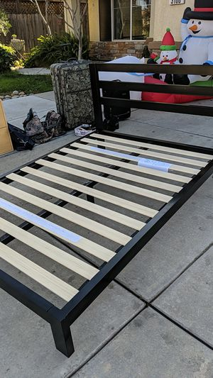 Full size bed frame for Sale in Modesto, CA