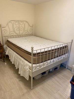 WHOLE BED frame, box mattress and top mattress * must go by 11-01 for Sale in Chicago, IL