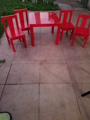 Kids table with 4 chairs for Sale in Palmetto Bay, FL