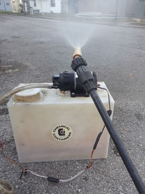 Small tank and sprayer for Sale in Fort Meade, FL