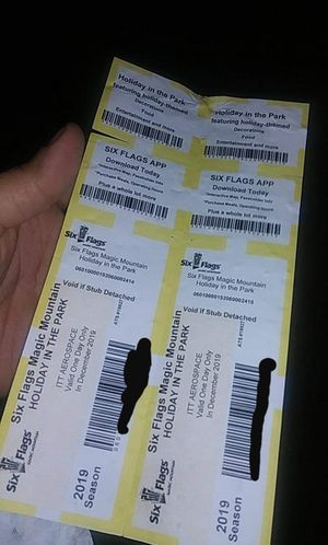 2 Six flags tickets for Sale in Los Angeles, CA