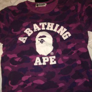 Bape t shirt sz m for Sale in Brooklyn, NY