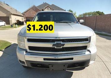 √🙏🏼2011 Chevrolet Silverado drives excellent√🙏🏼 for Sale in Los Angeles,  CA