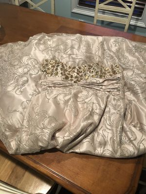 Masquerade party dress size juniors 11/12 for Sale in West Islip, NY