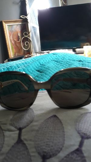 Tory Burch sunglasses for Sale in Pompano Beach, FL