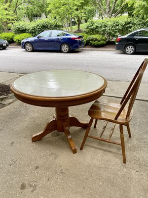 Kitchen / Dining table and chairs for Sale in Columbia, MD
