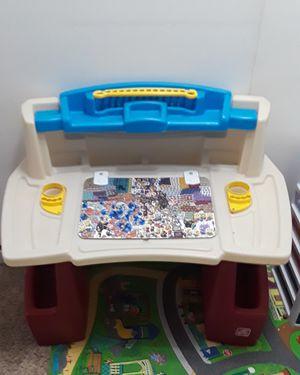 Toddler desk for Sale in Downey, CA