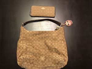 Coach purse and wallet for Sale in Los Angeles, CA
