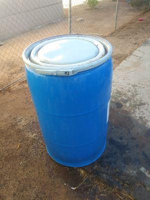 55 gallon drum with lid! for Sale in Tempe, AZ