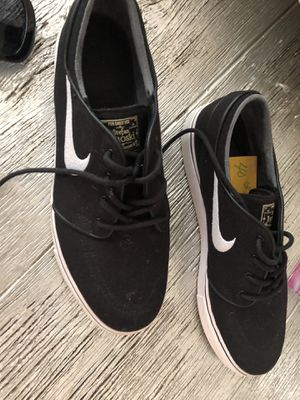 Nike vans! Size 10.5 ! Sharp casual dress. for Sale in Great Falls, VA
