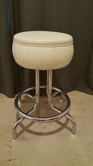 Vintage spinning stool for Sale in Pico Rivera, CA