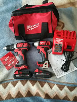Milwaukee 18v drill impact driver set for Sale in Chicago, IL