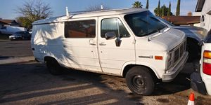 NOT REGISTERED AS IS PARTS SWAP REPAIR 92 GMC VAN 350MOTOR/700R4 TRANNY $700 FIRM OR GOOD TRADE for Sale in Stockton, CA
