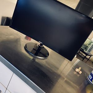 "Curved 27""inch ($100 Off Sale) for Sale in View Park-Windsor Hills, CA"