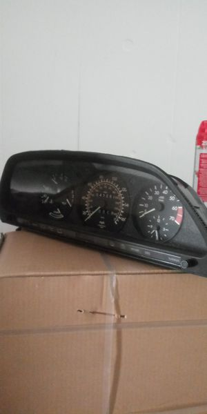 1986-1991 Mercedes-Benz 560SEL Instrument Cluster for Sale in Cheektowaga, NY