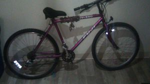Mountain bike for Sale in Sacramento, CA
