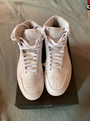 Air Jordan 1 mid Triple white Size 8.5 for Sale in Brentwood, CA