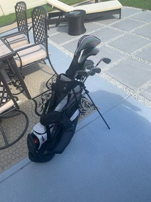 Junior set of golf clubs for Sale in Skokie, IL