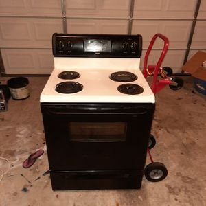 Kenmore Stove And Whirlpool Microwave Bundle for Sale in Cayce, SC