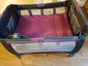 Portable baby bed for Sale in Elk Grove Village, IL