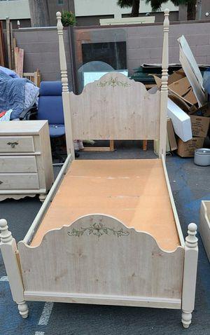 Free Twin single bedframe for Sale in Garden Grove, CA
