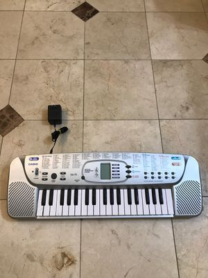 Casio electric keyboard musical instruments with over 100 different sounds and tones playback record also battery operated 10% off new clients only t for Sale in Hollywood, FL
