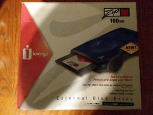 Iomega zip 100mb for Sale in Tallahassee, FL