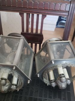 2 vintage light fixtures for Sale in Pataskala,  OH