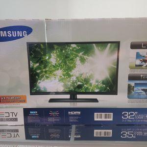 32 Inch Flat-screen TV for Sale in Tampa, FL
