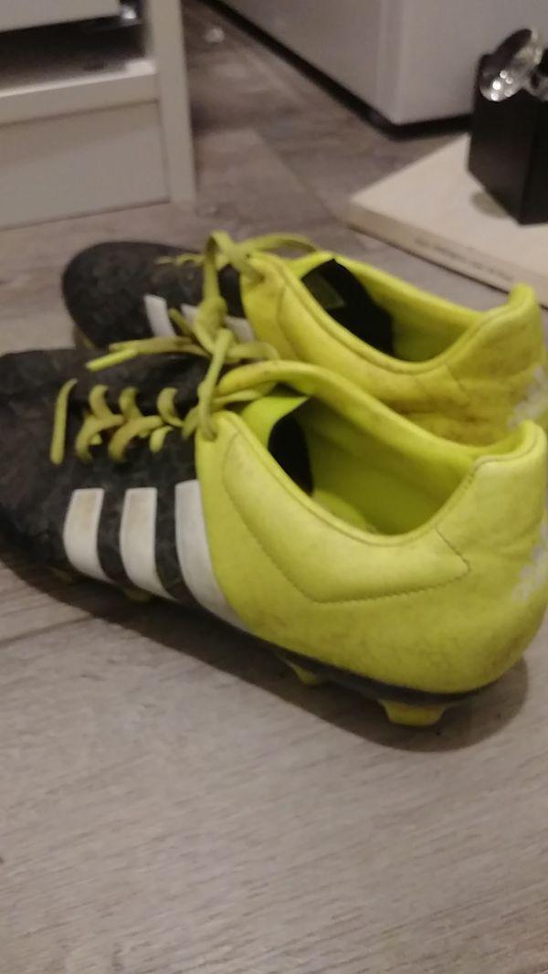 Adidas 15.4 ....8.5