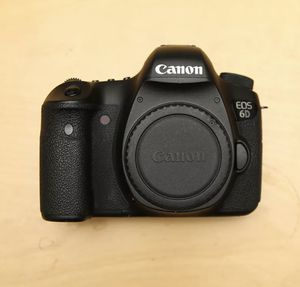 Canon EOS 6D DSLR Body Only. Battery included. Excellent condition. for Sale in Hollywood, FL
