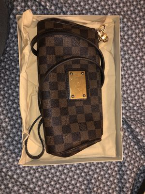 Louis Vuitton Eva clutch! for Sale in Naugatuck, CT