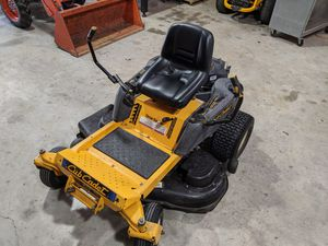 Cub Cadet RZT 50 Zero Turn Riding Lawn Mower Pre-owned for Sale in Clodine, TX