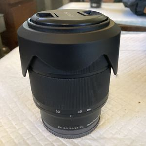 Sony lens - FE 28-70mm f/3.5-5.6 OSS for Sale in San Marino, CA