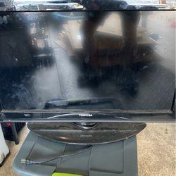 Toshiba 36' Flatscreen TV for Sale in West Linn,  OR