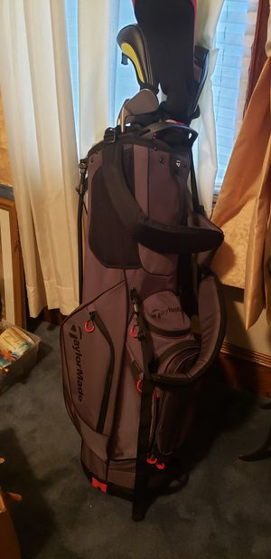 Golf bag, clubs with covers for Sale in Bridgeport, CT
