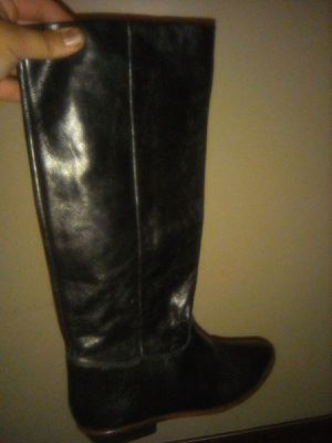 Women pull-up boots By 9 west black leather size 7 for Sale in Los Nietos, CA