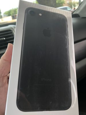 iPhone 7 32 gigabytes for Sale in Plano, TX