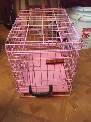 Pink small pro select dog crate for Sale in Bronx, NY