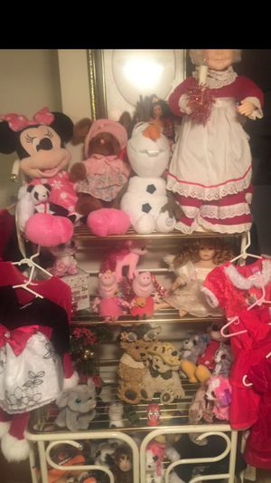 """Trendy characters for Christmas gifts"""" Minnie """"Olaf Peppa Pig"""" Teddy bears kitties ponies and more check out my offers for more all sold separate an for Sale in Northfield, OH"""