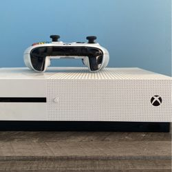 Xbox 1s Slightly New for Sale in Lithia Springs,  GA