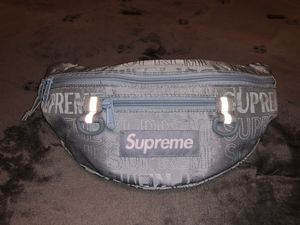 Supreme fanny pack (ICE) for Sale in Hesperia, CA