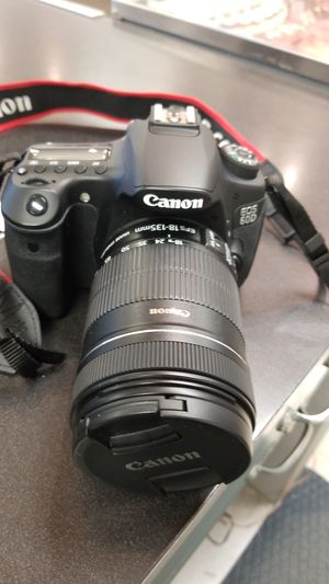 Canon eos 60d with 18-135 lens for Sale in Austin, TX