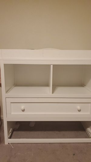 Free dresser for Sale in Union City, CA