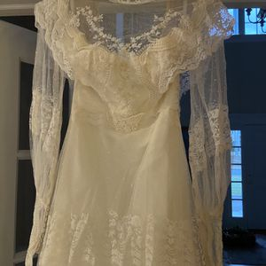Vintage Wedding Dress for Sale in Southbury, CT